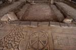 Piso-ornamentado-no-sítio-arqueológico-de-Migdal-Israel-onde-porto-e-sinagoga-foram-encontrados